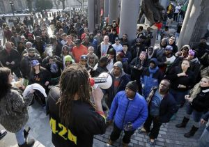 NJ Weedman raffling off bud to over 350 demonstrators. (Photo by Mel Evans, posted on Daily Record)
