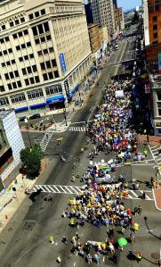 Over a thousand marching in Newark